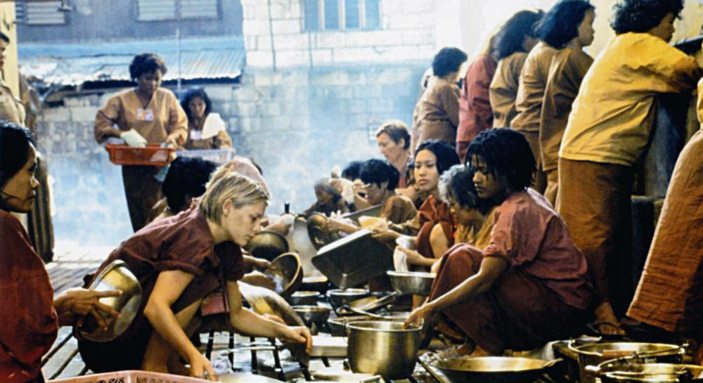 BROKEDOWN PALACE, seated front from left: Claire Danes, Bahni Turpin, 1999, TM & Copyright © 20th Century Fox Film Corp.